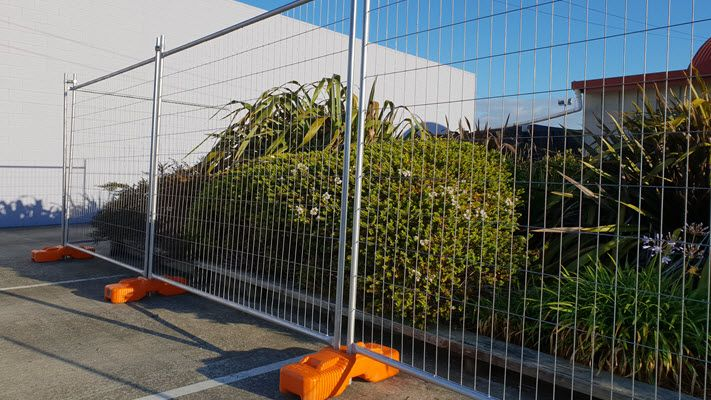 temporary fencing heavy duty plastic fence