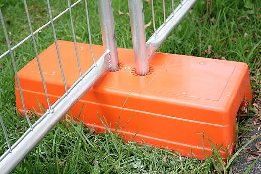 temp fence plastic feet